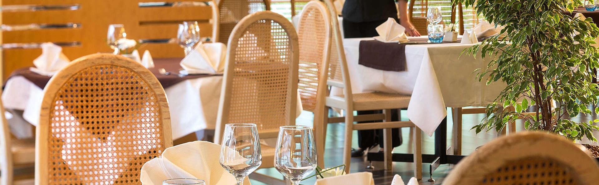 Oceania Quimper - Edit_Restaurant.jpg