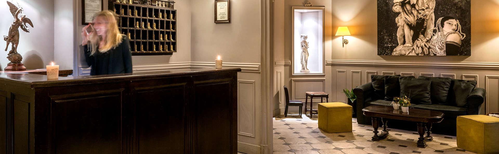 Hôtel Porte Dorée - Edit_Reception.jpg