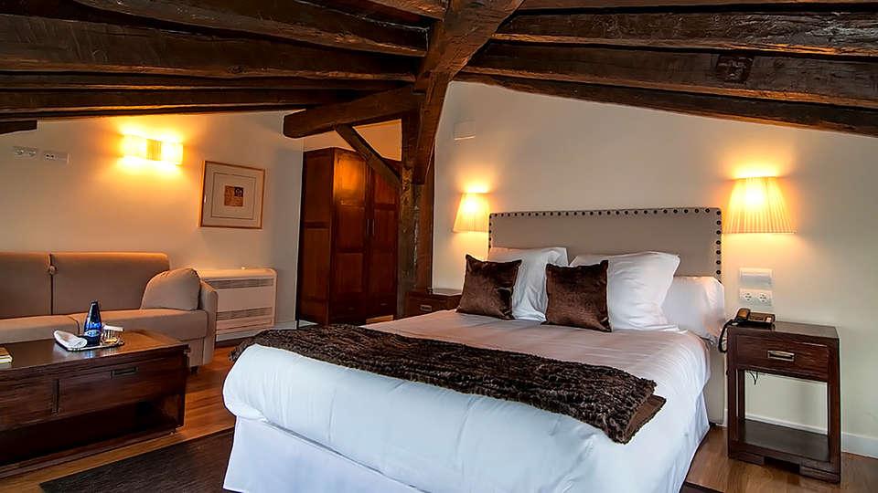 Hotel Torre Zumeltzegi  - Edit_Room9.jpg