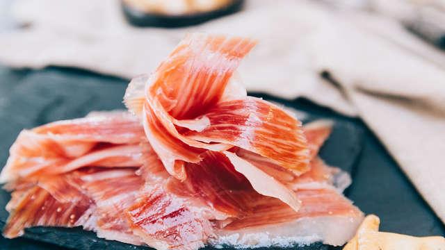 Degustación & Gastronomía: Escapada en Salamanca con taller y degustación de Jamones de Guijuelo