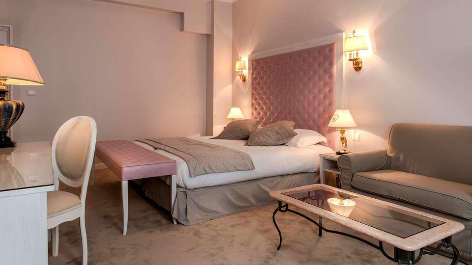Hôtel Princesse Caroline - Edit_Room3.jpg