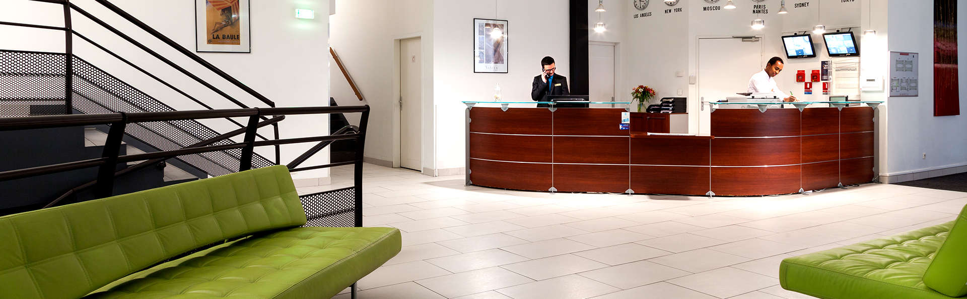 Sure Hotel by Best Western Nantes Beaujoire - Edit_Reception.jpg