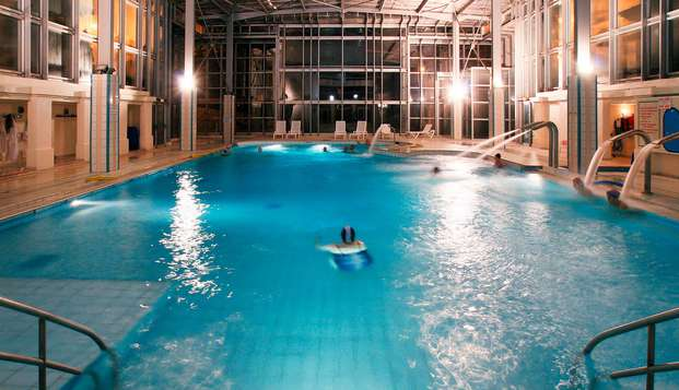 Hotel Residence les Sources - Luxeuil les Bains - pool