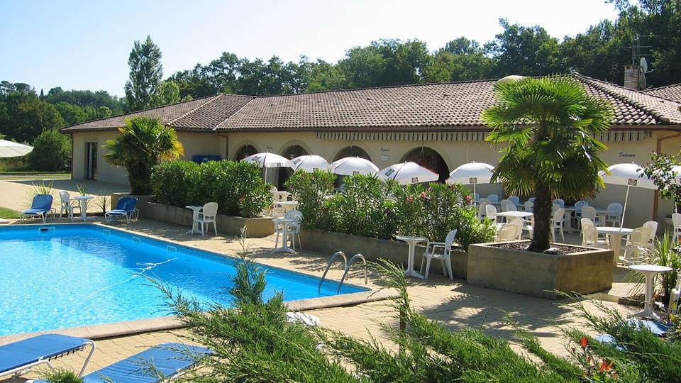 Hôtel Restaurant Solenca - EDIT_Pool_4.jpg