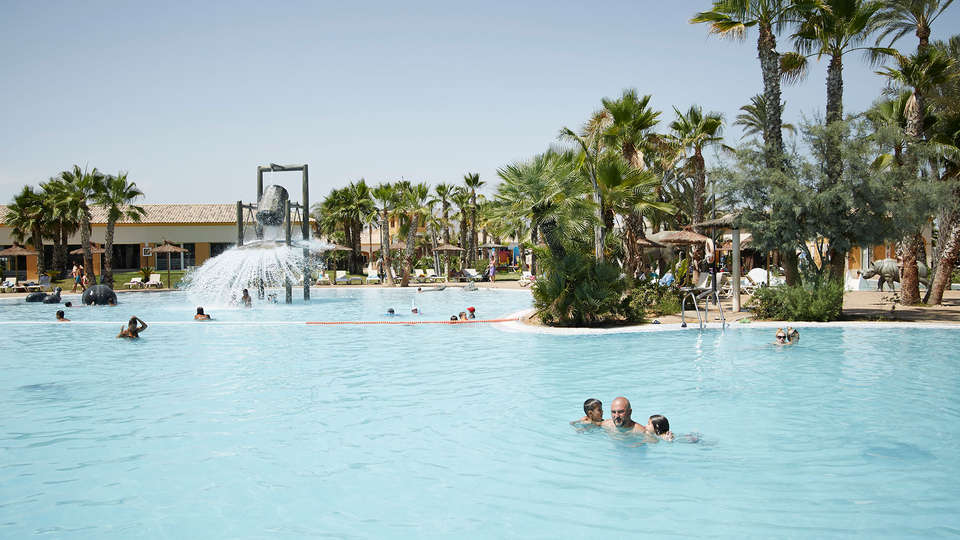 Alannia Costa Blanca Resort - Edit_Pool3.jpg