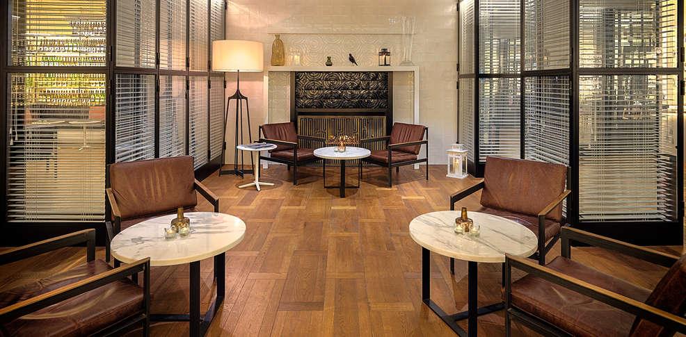 week end en amoureux barcelone avec 1 coupe de champagne. Black Bedroom Furniture Sets. Home Design Ideas