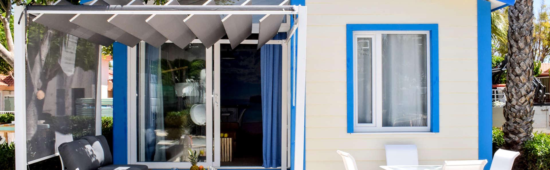 Profitez de la côte d'Alicante dans une élegante cabine de luxe.