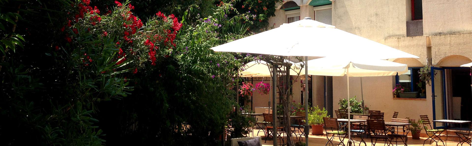 Hôtel Teranga - Edit_Terrace.jpg
