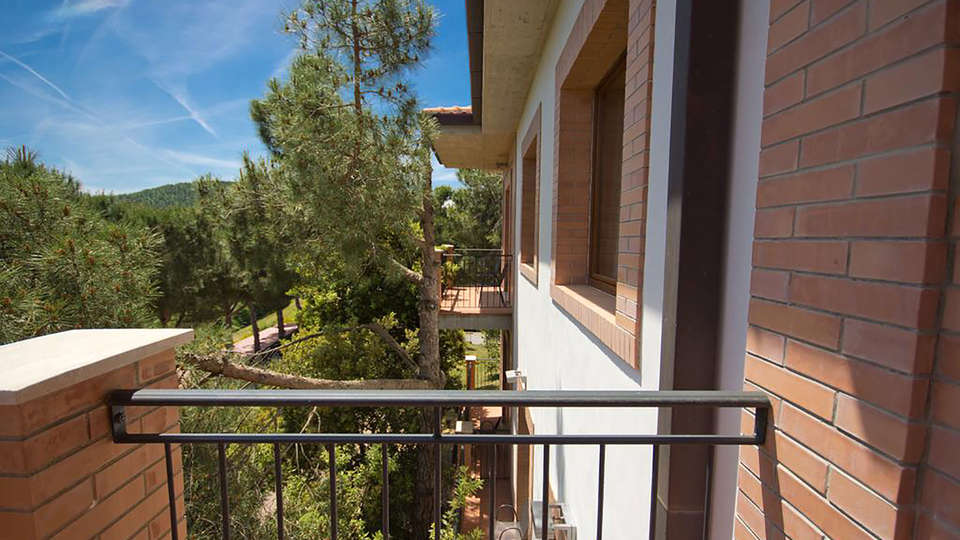 Hotel Panoramic - Edit_Terrace.jpg