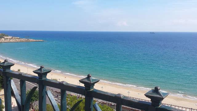 Escapada Romántica en Tarragona: hotel situado en el emblemático Balcón del Mediterráneo