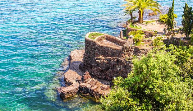 Descanso y lujo con champagne en la Costa Azul