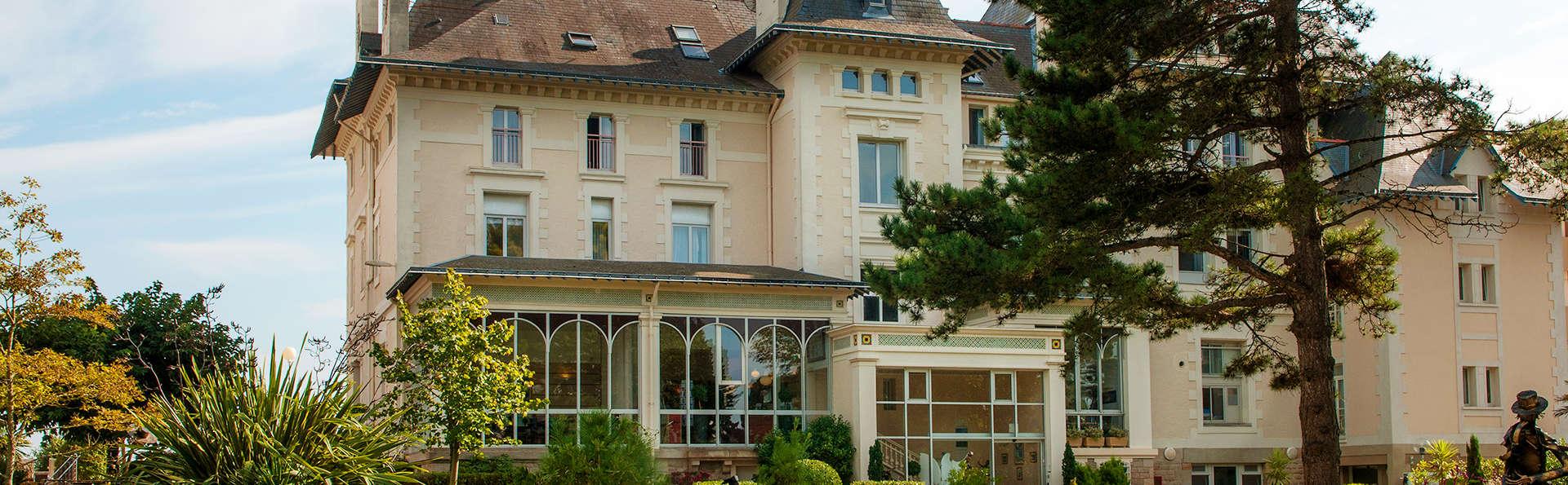Hôtel Vacances Bleues Villa Caroline - EDIT_Fachada_3.jpg