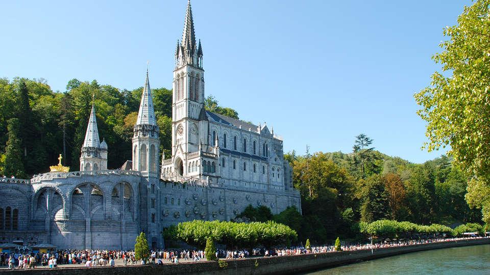 Hôtel-Résidence Saint Jean - Edit_Lourdes2.jpg