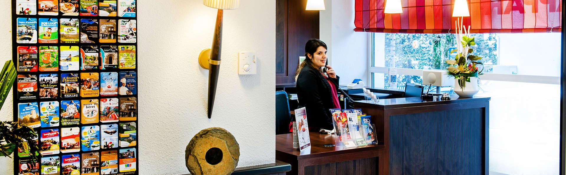 Hôtel-Résidence Saint Jean - Edit_Reception2.jpg