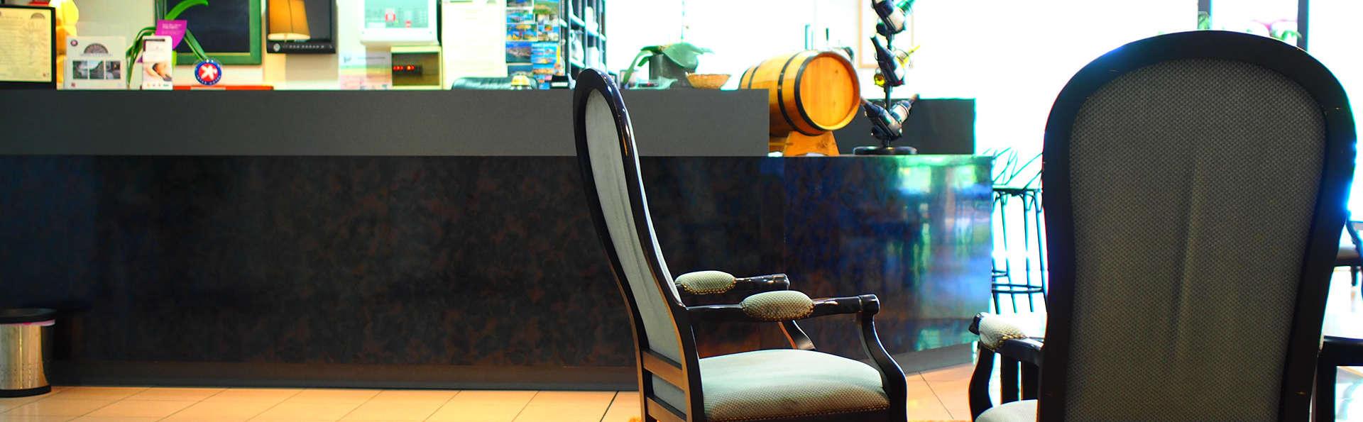 The Originals City, Hôtel Aster, Saint-Avold Nord (Inter-Hotel) - Edit_Lobby3.jpg