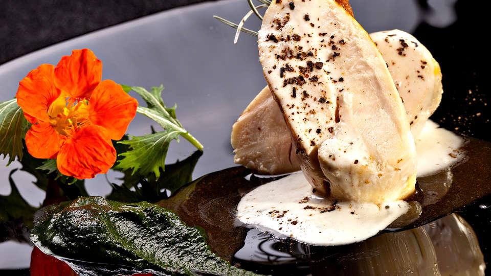 Hôtel-Restaurant Hervé Busset - Edit_Diner2.jpg