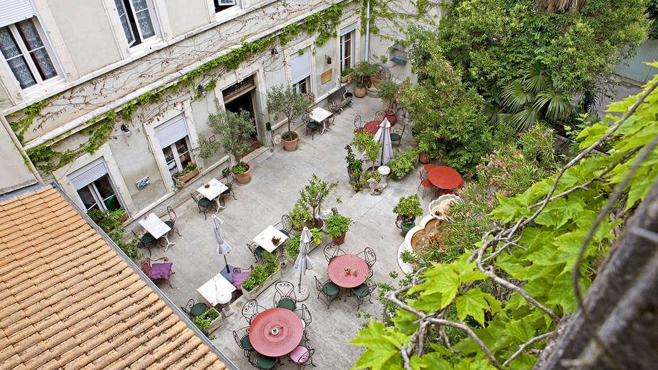 The Originals Boutique, Hôtel du Parc, Cavaillon (Inter-Hotel) - Edit_Terrace.jpg