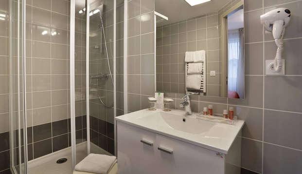Hotel The Originals du Phare Bordeaux Ouest ex Inter-Hotel - Bathroom