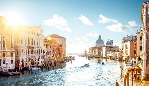 Découvrez la magie de Venise en bateau et séjournez dans une villa du XVIIIe siècle à Mirano