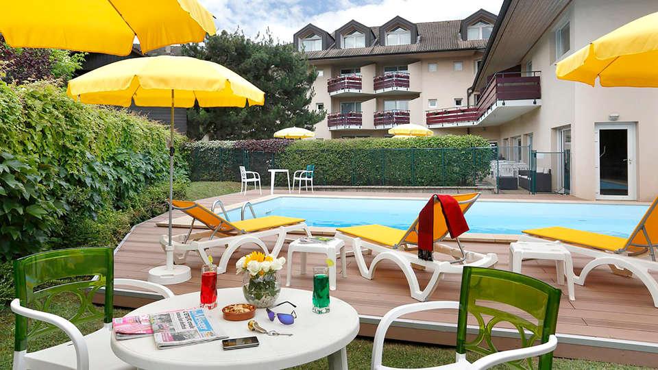 The Originals City, Hôtel L'Arc-En-Ciel, Thonon-les-Bains (Inter-Hotel) - Edit_Pool2.jpg