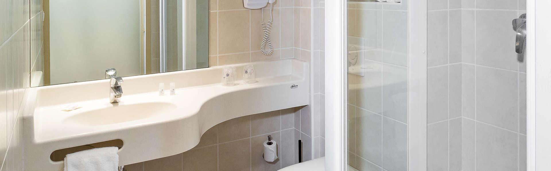 Hotel The Originals Gap Sud Le Cap (ex Inter-Hotel) - Edit_Bathroom.jpg
