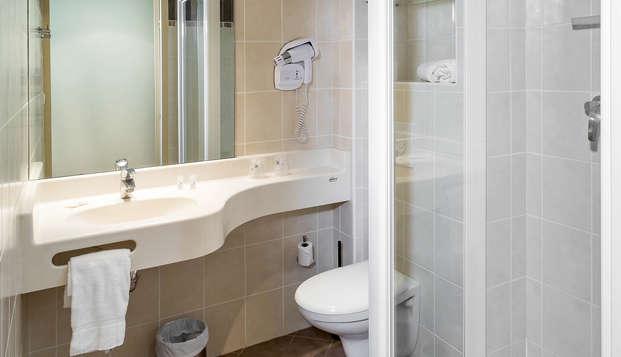 Hotel The Originals Gap Sud Le Cap ex Inter-Hotel - Bathroom