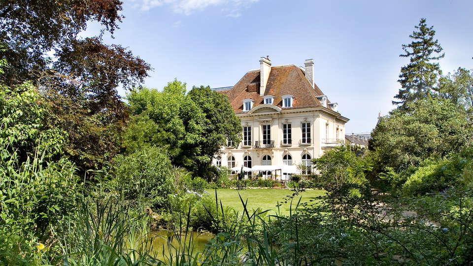Hôtel Restaurant La Gourmandine - edit_gardens.jpg