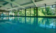 1 Accès à la piscine intérieure pour 2 adultes