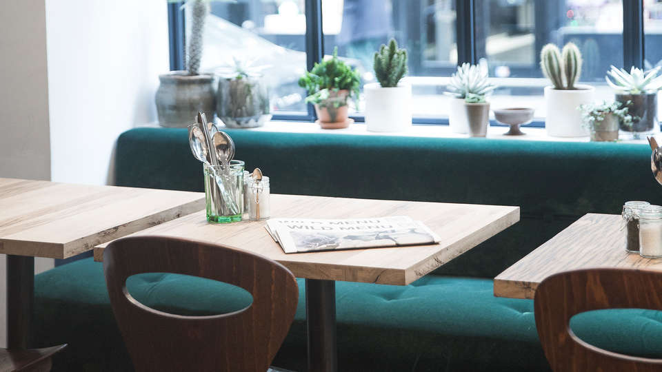 Monsieur Helder - EDIT_NEW_Restaurant4.jpg