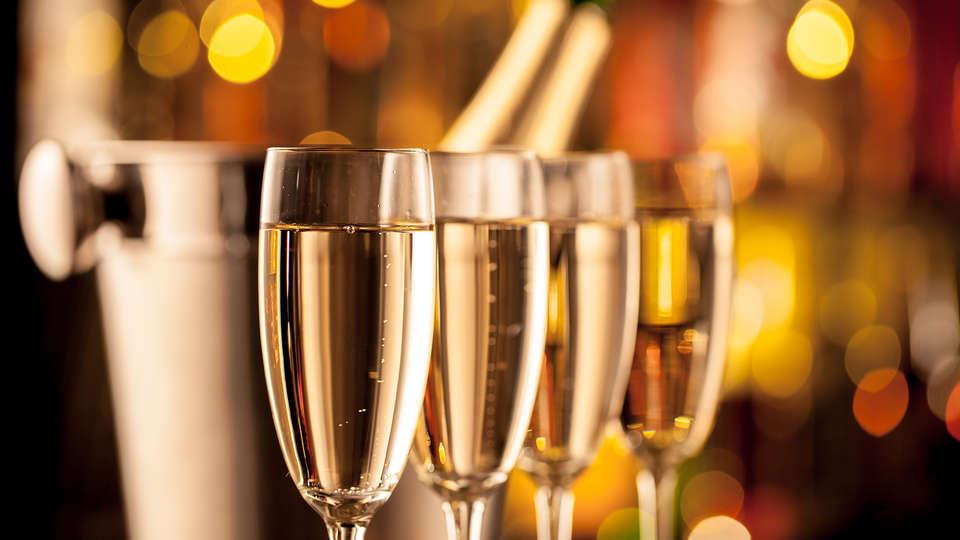 Hotel The Originals Carcassonne (ex Inter-Hotel) - Edit_Champagne.jpg
