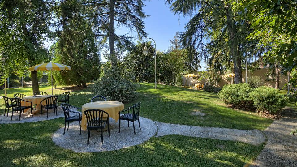 Hotel Abano Ritz Terme - EDIT_NEW_Terrace.jpg