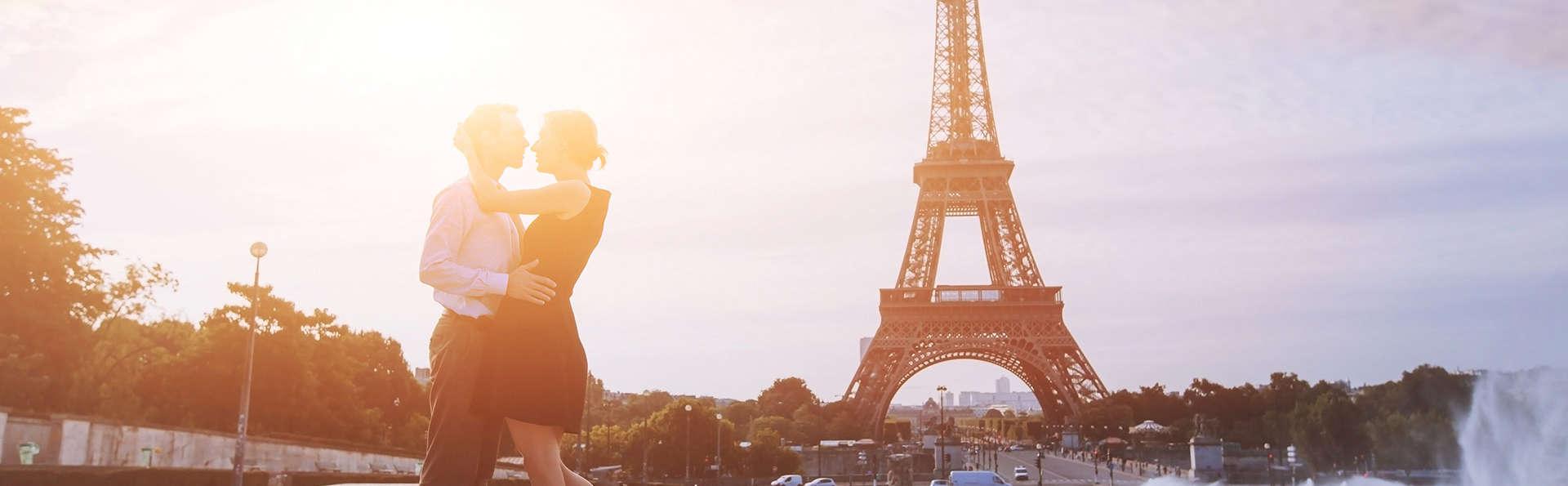 Week-end détente et romantique avec champagne et Lovebox à Paris (parking remisé)