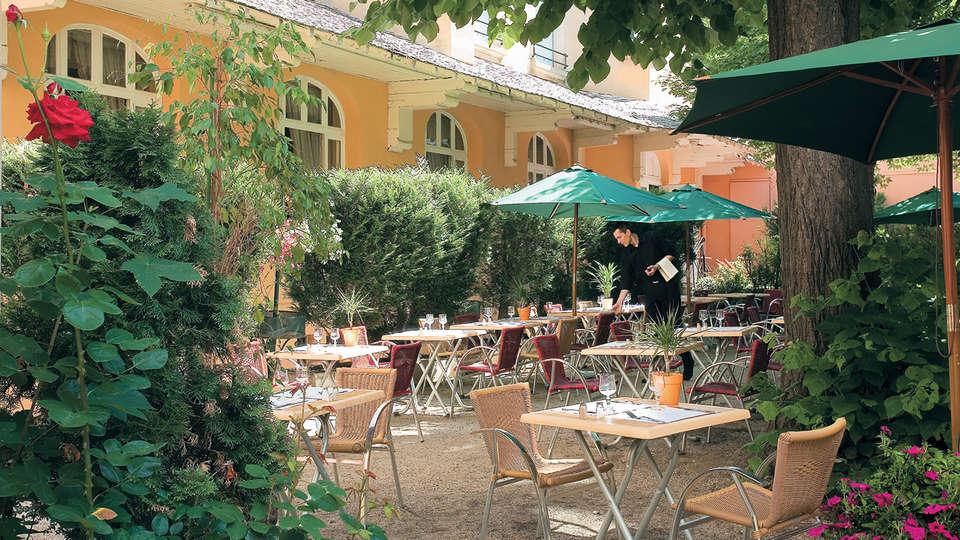 The Originals City, Hôtel Bristol, Le Puy-en-Velay (Inter-Hotel) - Edit_Terrace.jpg