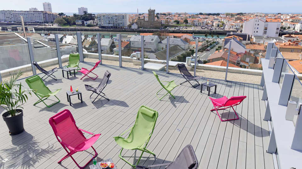 Kyriad Les Sables d'Olonne - Plage - Edit_terrace.jpg