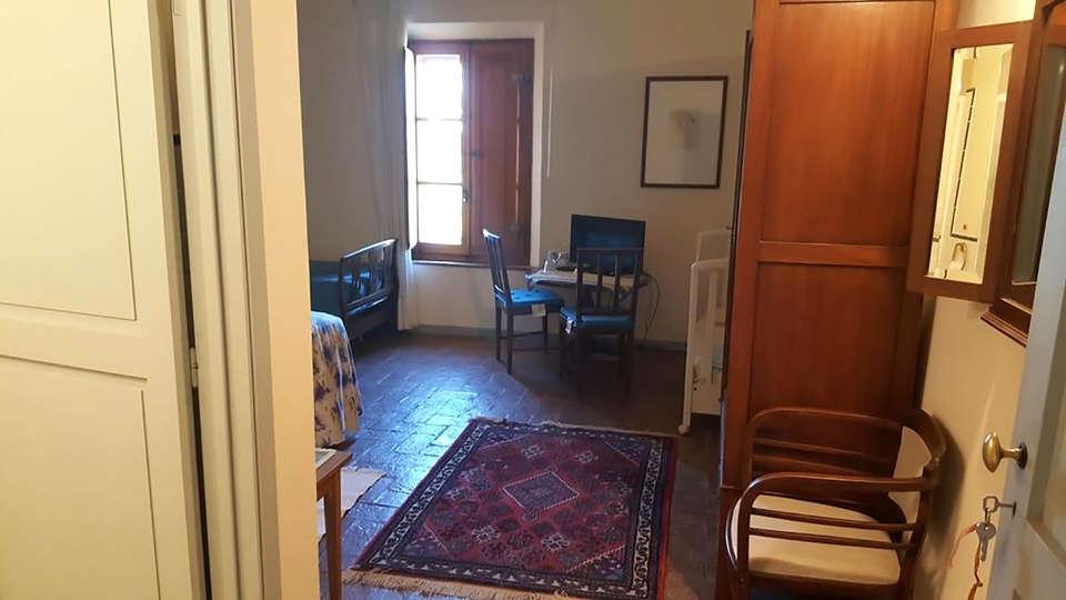 Agriturismo Casa Montecucco - Edit_Room2.jpg