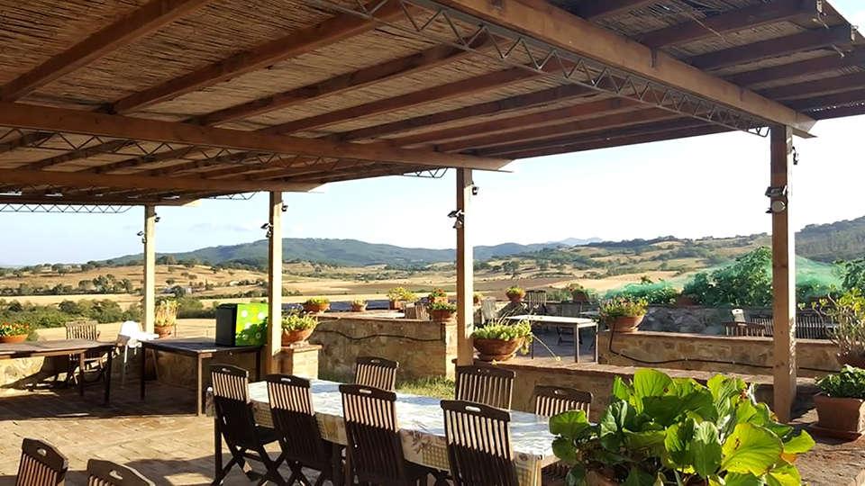 Agriturismo Casa Montecucco - Edit_Terrace2.jpg