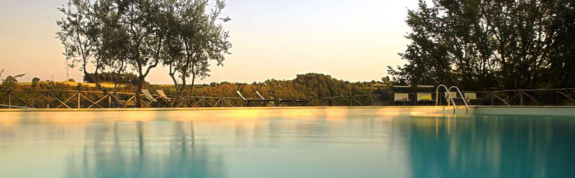 PanElios Borgo Vacanze - Edit_Pool3.jpg