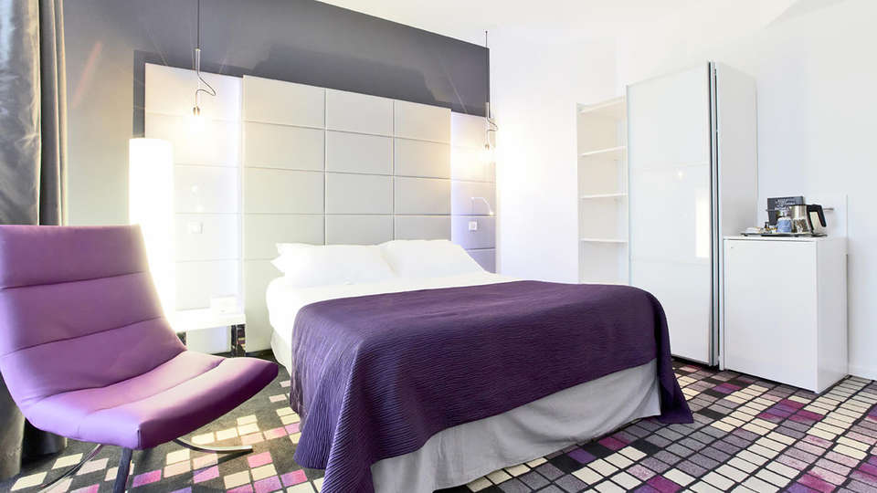 Kyriad Prestige Dijon Centre - Edit_Room7.jpg