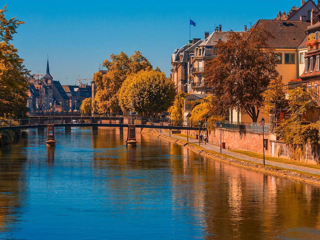 Séjour Alsace - Séjour romantique à Strasbourg avec location de bateau électrique  - 4*
