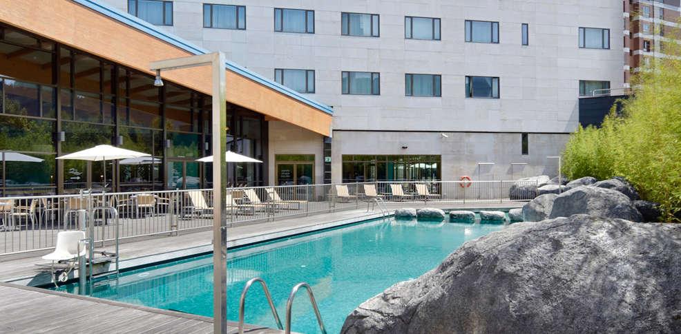 Hotel puerta de bilbao 4 barakaldo espagne for Reservation hotel en espagne gratuit