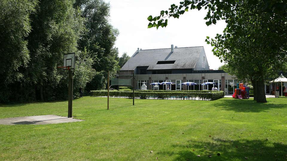 Novotel Wavre Brussels East - Edit_Garden.jpg