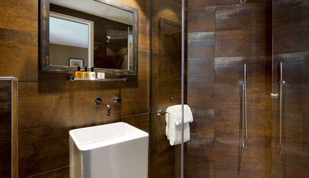 Chat Noir Design Hotel - NEW Bathroom