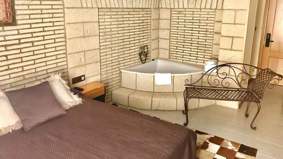 Hotel Castillo Bonavía - EDIT_NEW_Room2.jpg