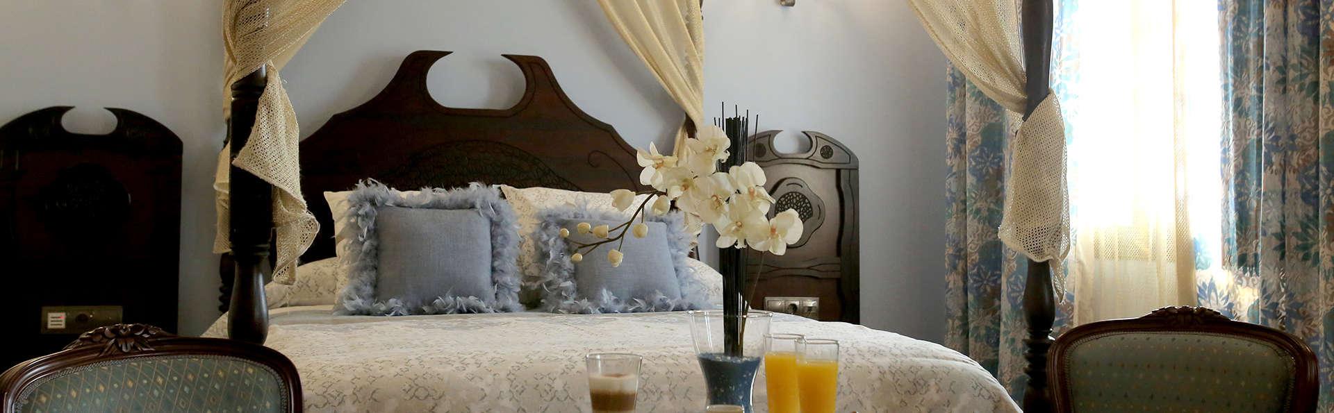 Top Romántica: Suite con jacuzzi, Gin tonic, Decoración Romántica y lujo en un Castillo