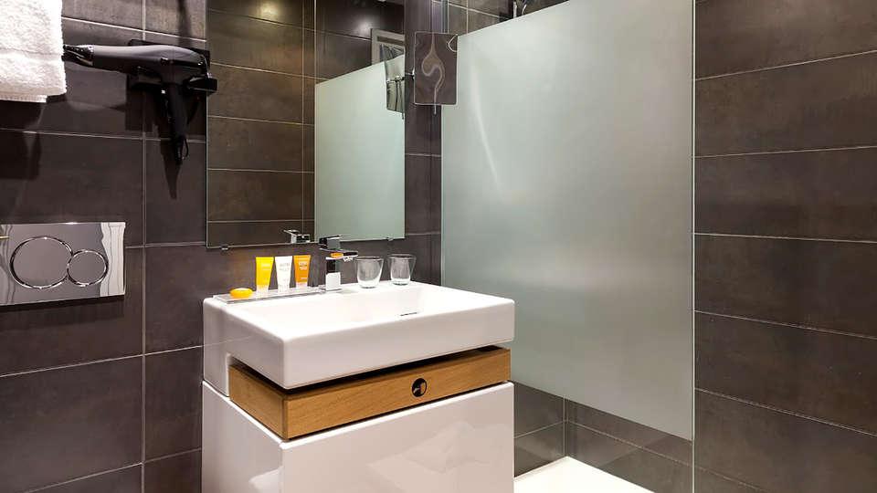 La Malmaison Nice Boutique Hotel - Edit_Bathroom.jpg