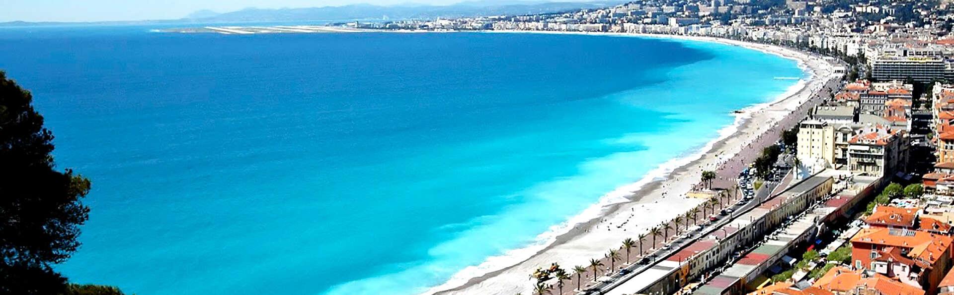 Offre spéciale Toussaint: Séjour en famille à la plage au cœur de Nice (à partir de 2 nuits)