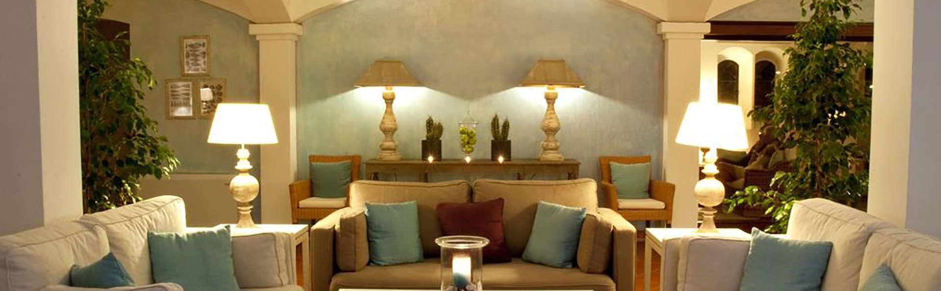 Hotel Le Ginestre - Edit_Lobby2.jpg