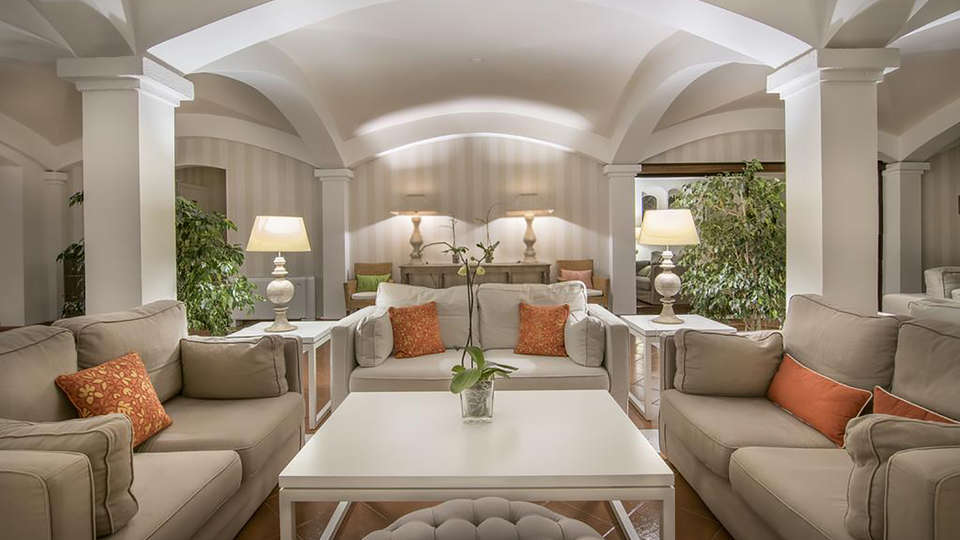 Hotel Le Ginestre - Edit_Lobby4.jpg