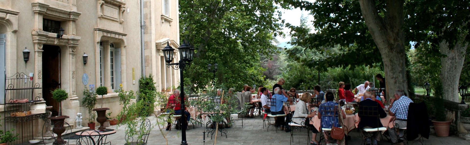 L'Annexe du Château - Edit_Terrace.jpg
