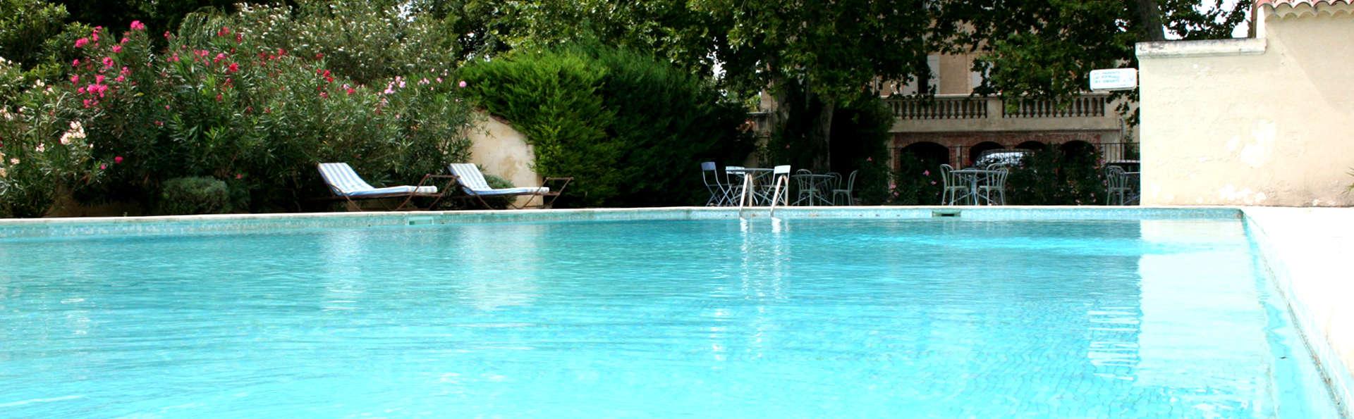 L'Annexe du Château - Edit_Pool2.jpg